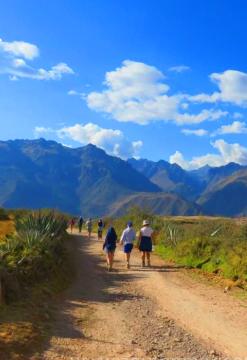 Maras, Moray, Chinchero y Catarata Poc Poc