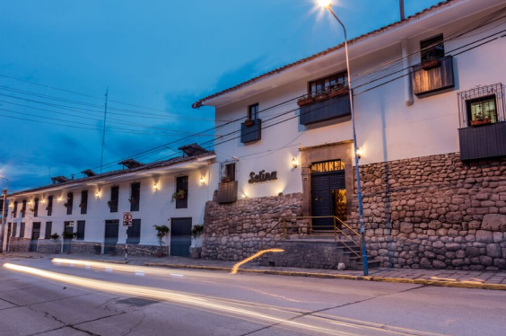 Selina_Cusco