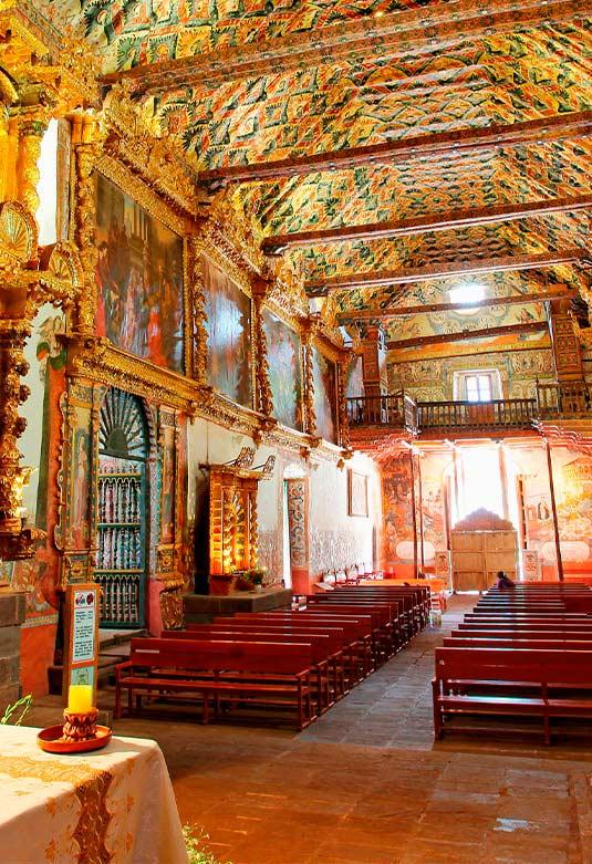 Templo San Pedro Apostol de Andahuaylillas