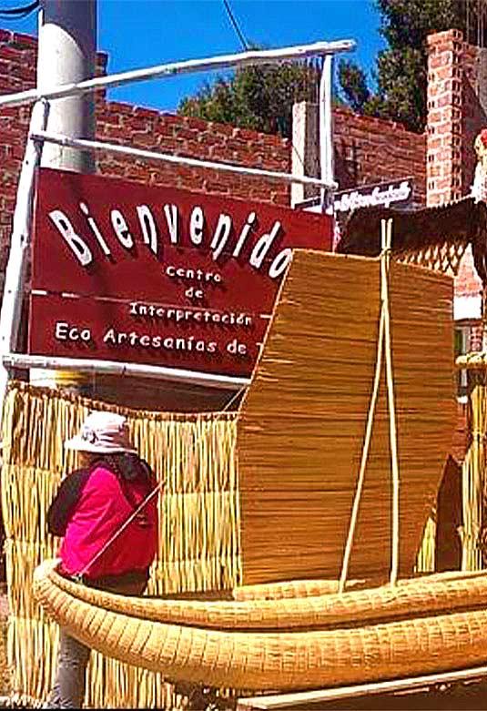 Centro de Interpretación de Eco Artesanías de Totora Titikaka - Chimu
