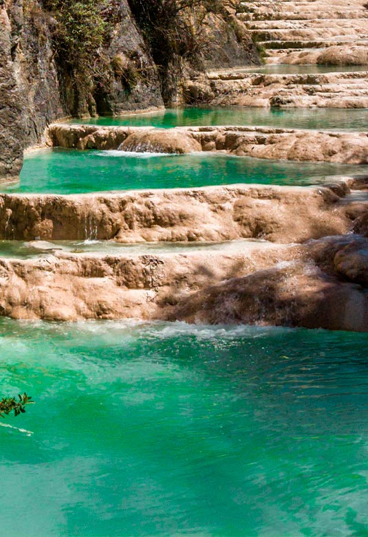 Aguas turquesas Millpu