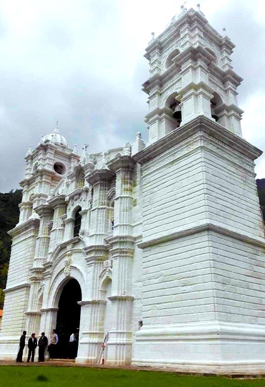 Templo Colonial de Cocharcas