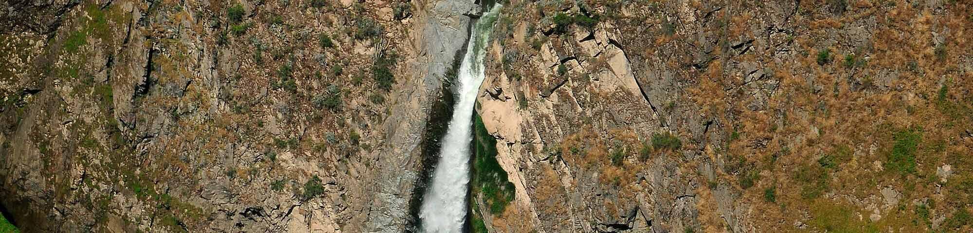 Mirador y catarata de Uskune (Pampamarca)