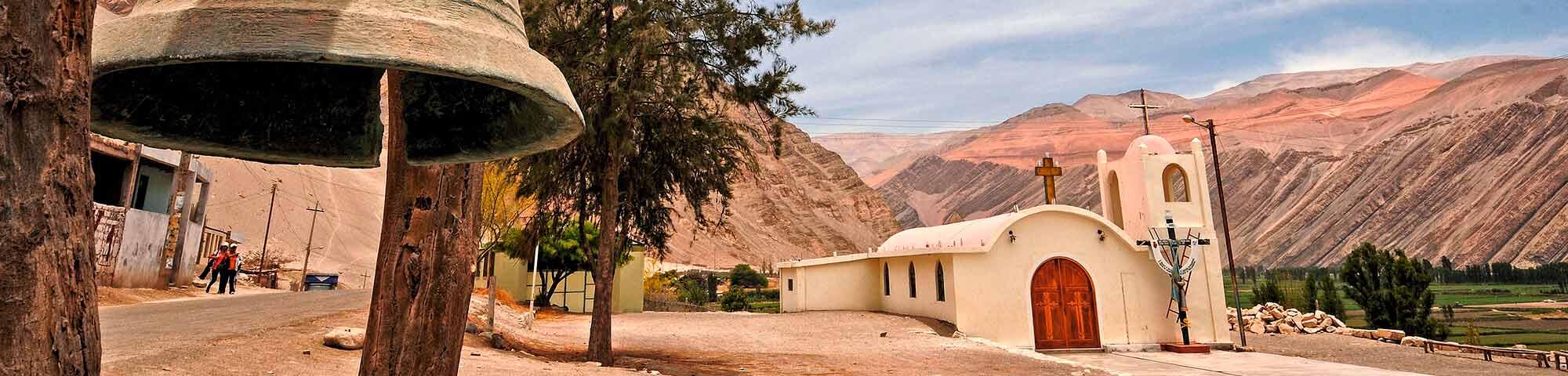 Valle de Majes y Petroglifos de Toro Muerto