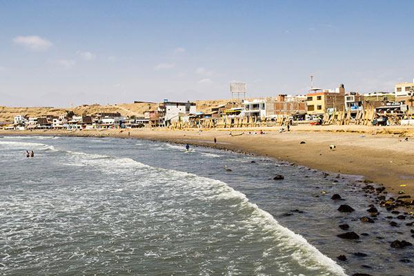 Tres balnearios de ensueño que debes agendar en tu próxima visita - Huanchaco en Trujillo