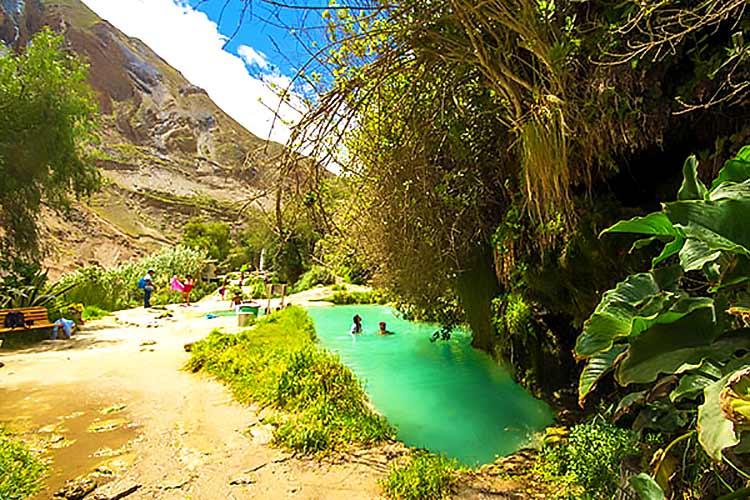Complejo de Aguas Termales de Mamahuarmi - Olvídate del estrés en los baños termales de Churín