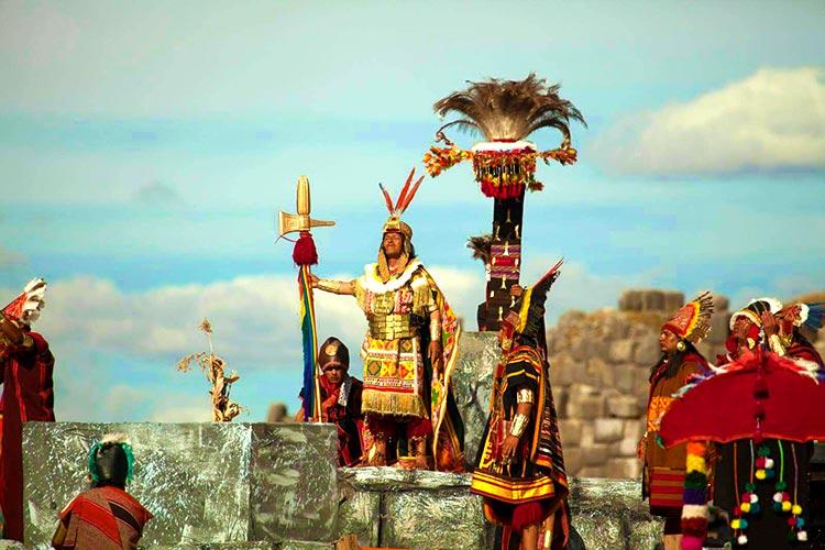 festividades en sacsayhuaman