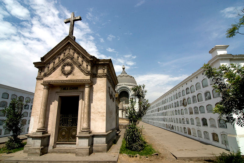 Cementerio Presbítero Maestro