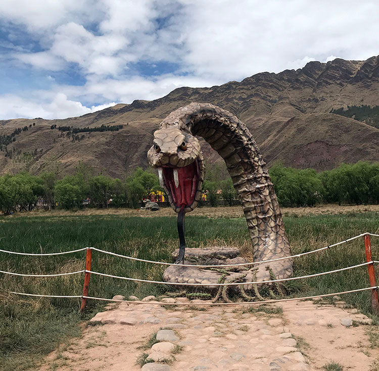 Escultura de serpiente de Humedales de Huasao