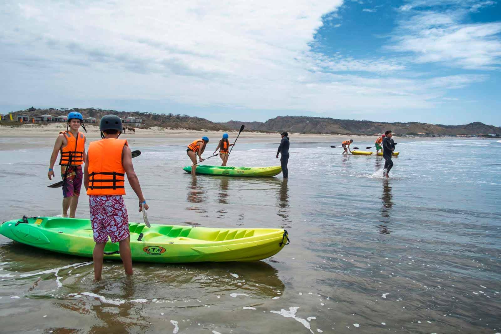 Kayak y surf en Piura