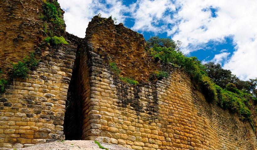 Entrada principal de Kuélap