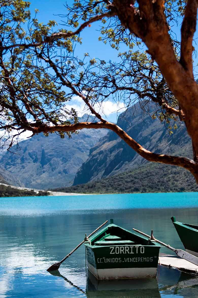 Laguna Llanganuco en el Parque Nacional Huascarán