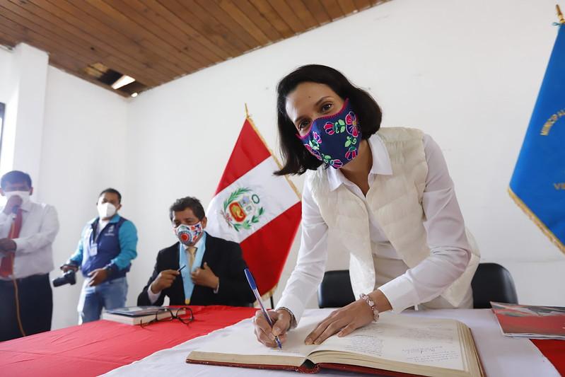 ministra-peruana-comercio