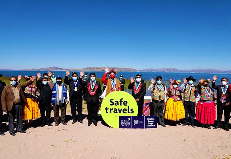 Entrega del sello Safe Travels en Puno