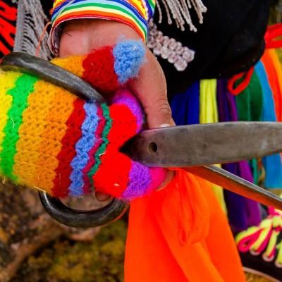 Tijeras, máscaras y galanteo: el folclore peruano está de fiesta